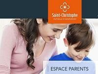 Ecole Sainte marie Fuveau page assurance scolaire une maman souriant au-dessus de la tête de son enfant souriant aussi